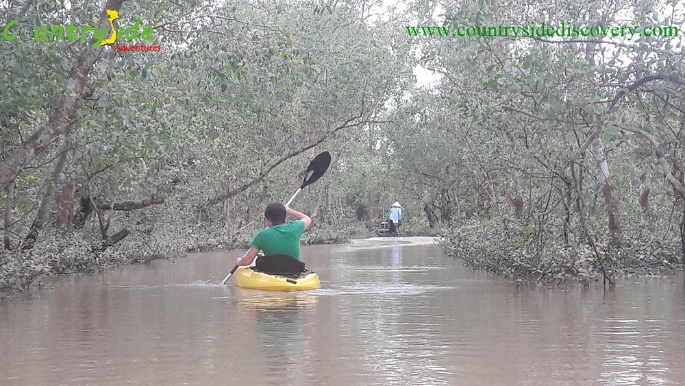 EXPERIENCE THE REAL MEKONG BY KAYAK & BIKE -ONE DAY