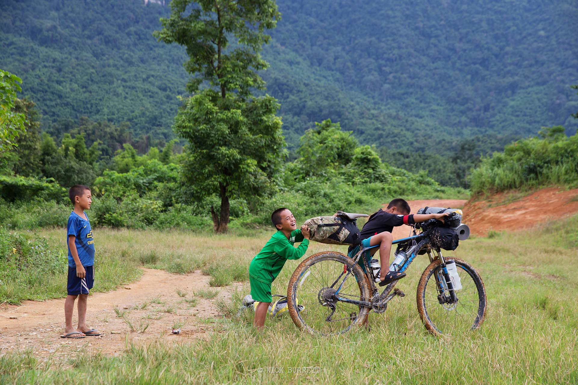 ANKOK TO PAKSE -11 DAYS