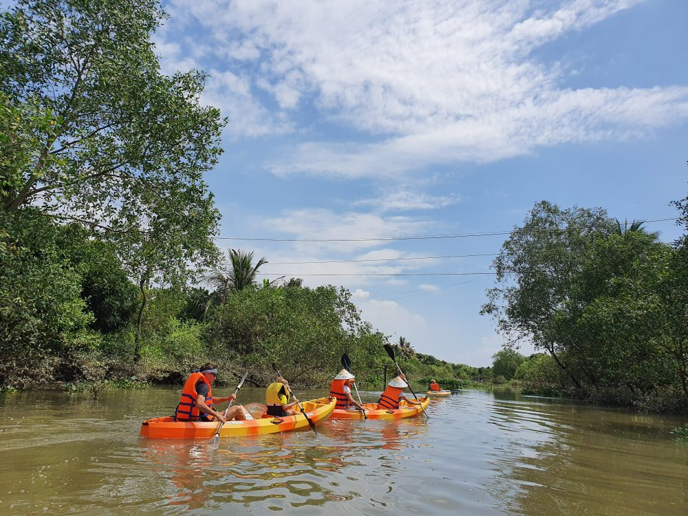 MEKONG FLOATING MARKET BY KAYAK & BOAT-ONE DAY TRIP