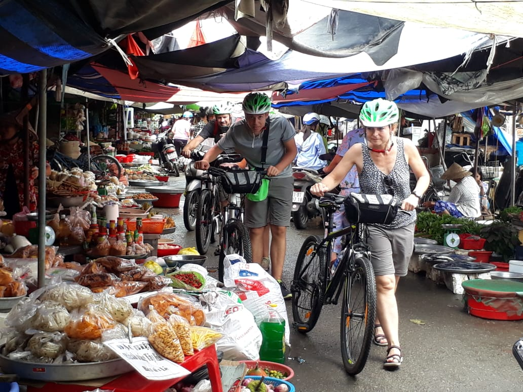 EXPERIENCE THE REAL MEKONG BY BIKE & BOAT – ONE DAY